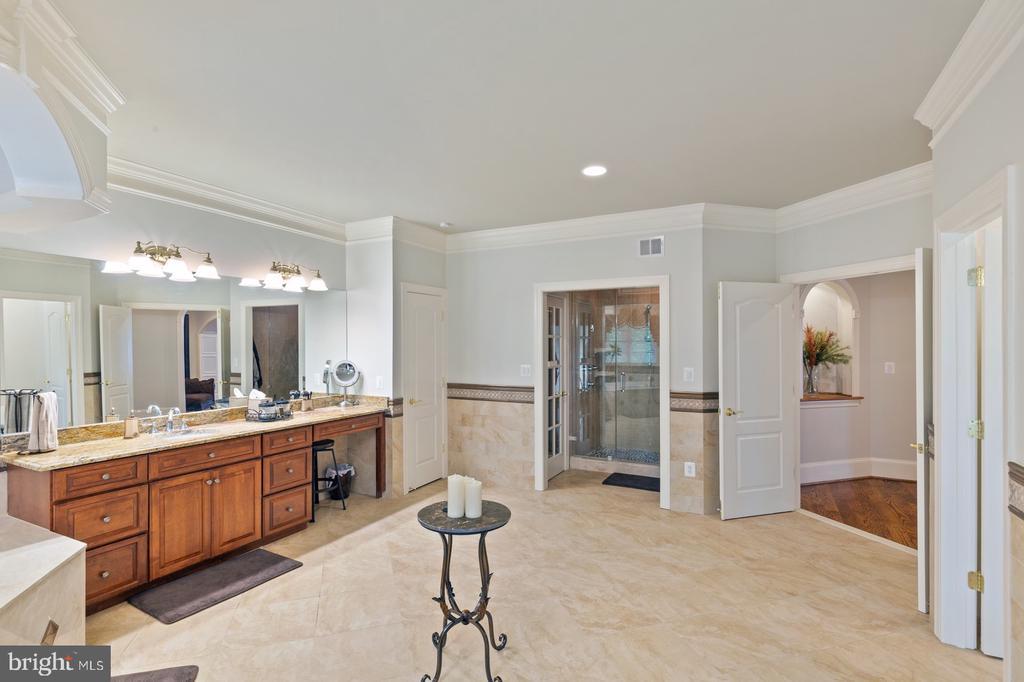 Master Bathroom With Marble Floors - 3722 HIGHLAND PL, FAIRFAX