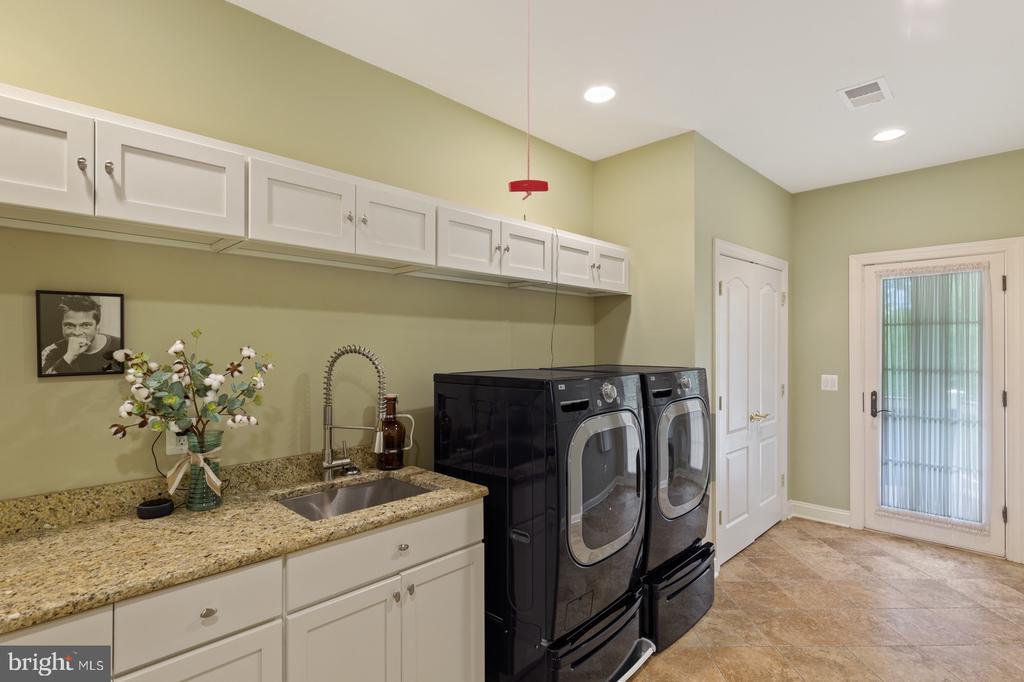 Laundry Room - 3722 HIGHLAND PL, FAIRFAX