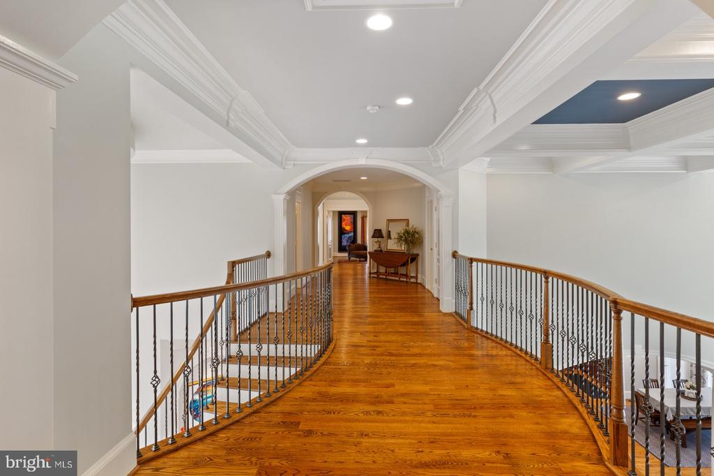 Foyer/Hallway Upper Level - 3722 HIGHLAND PL, FAIRFAX