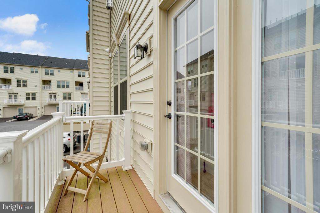 Third room balcony - 6464 WALCOTT LN, FREDERICK