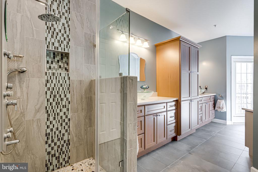 2nd Floor - Master Bathroom - 2651 PARK TOWER DR #107, VIENNA