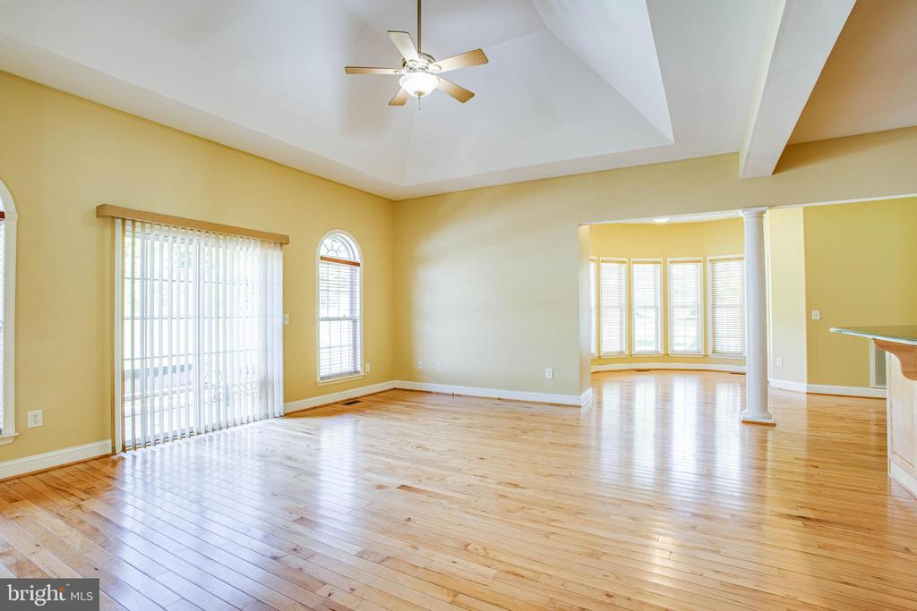 View of breakfast room and dining nook - 9649 LOGAN HEIGHTS CIR, SPOTSYLVANIA
