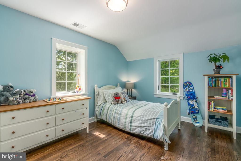 A bedroom for every child! - 5000 27TH ST N, ARLINGTON