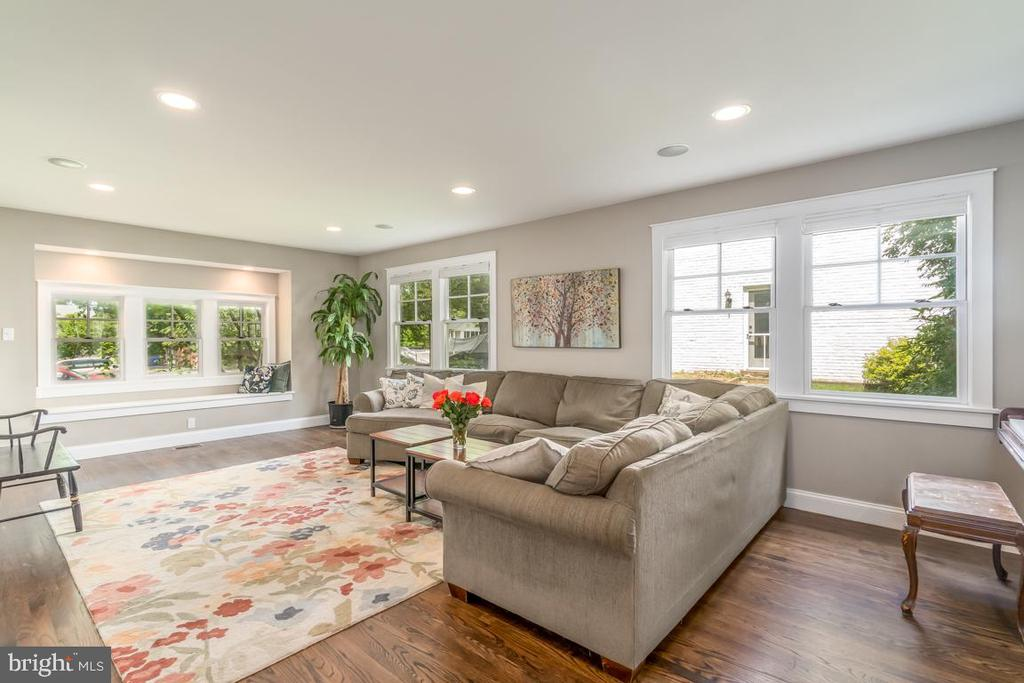 Family Room with lots of windows! - 5000 27TH ST N, ARLINGTON