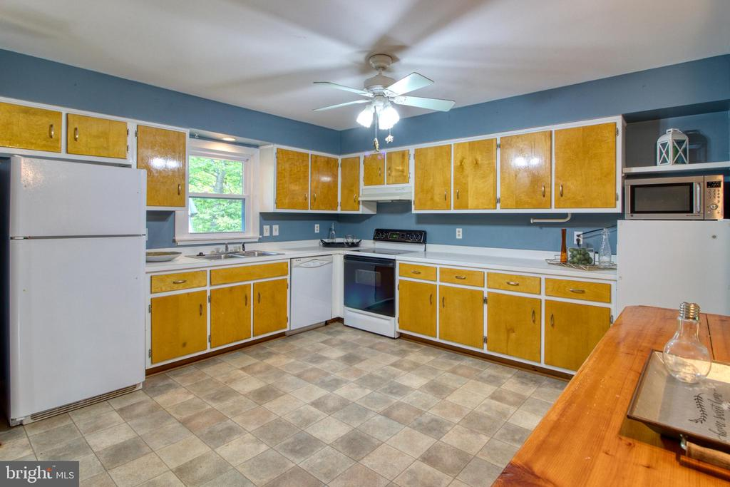 Huge potential! - 19355 YOUNGS CLIFF RD, STERLING