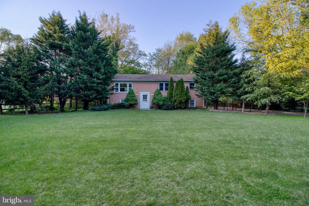 Large 1.5 acre lot! - 19355 YOUNGS CLIFF RD, STERLING