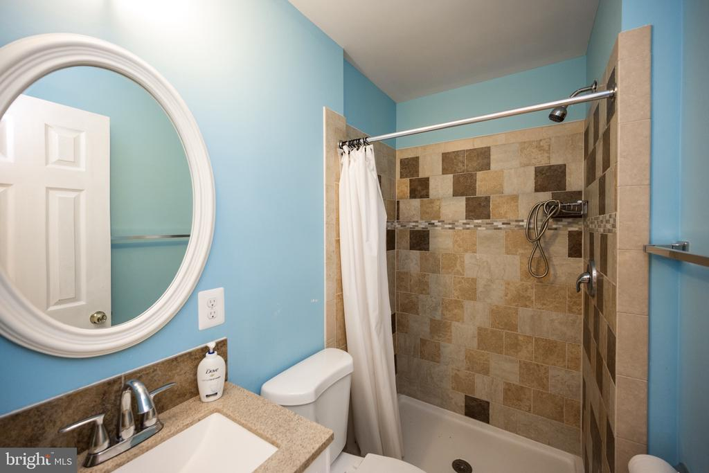 Bathroom on Main Floor - 6100 MUNSON HILL RD, FALLS CHURCH