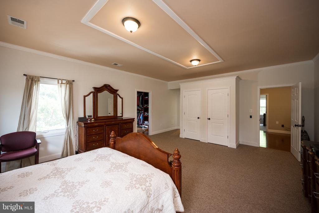 Master Bedroom - 6100 MUNSON HILL RD, FALLS CHURCH