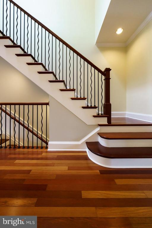 Staircase to Bedroom Level - 1324 FAIRMONT ST NW #B, WASHINGTON