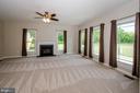 Enormous Family Room off kitchen - 13652 MOUNTAIN RD, HILLSBORO