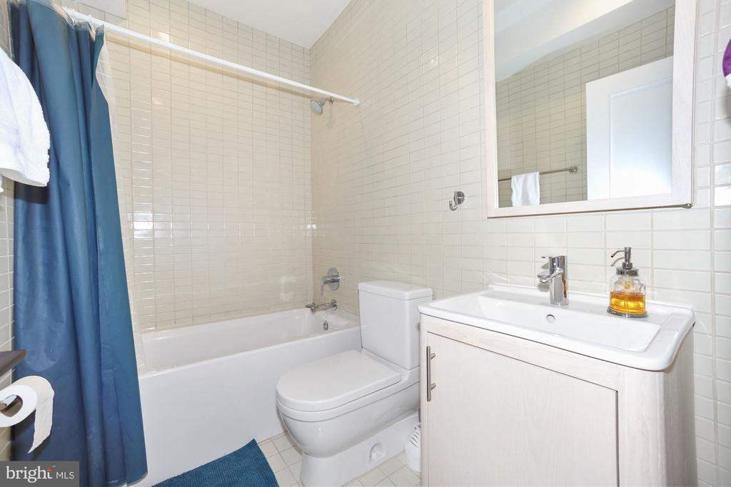 3 Full Baths Upstairs - 125 D ST SE, WASHINGTON