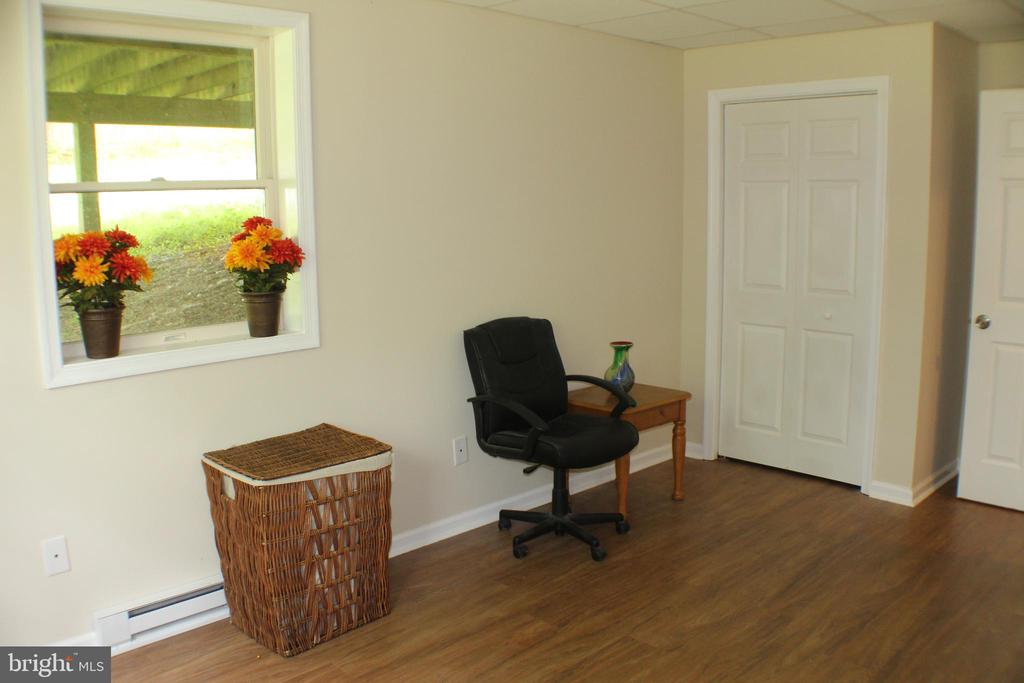Basement Bedroom with 3 windows - 7738 TALBOT RUN RD, MOUNT AIRY