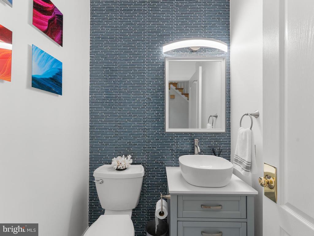 Main level half bathroom, recently renovated - 1518 THURBER ST, HERNDON
