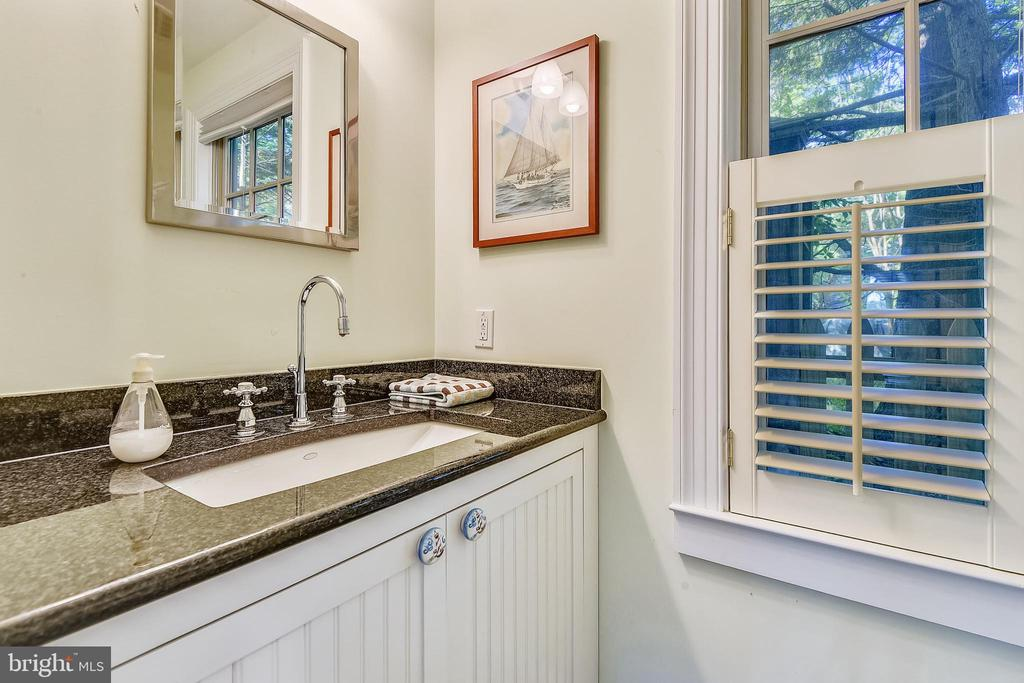 Rec room half bath vanity - 1002 MOSS HAVEN CT, ANNAPOLIS