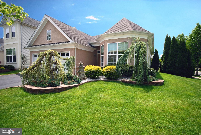 Single Family Homes для того Продажа на East Windsor, Нью-Джерси 08512 Соединенные Штаты