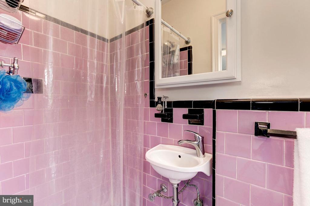 Bathroom - 3719 W ST NW, WASHINGTON