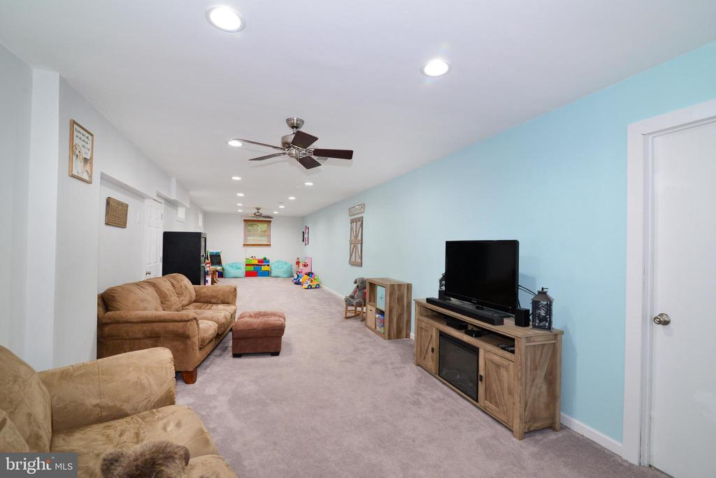 Large basement  with new paint and carpet - 234 PINE CREST LN, BLUEMONT