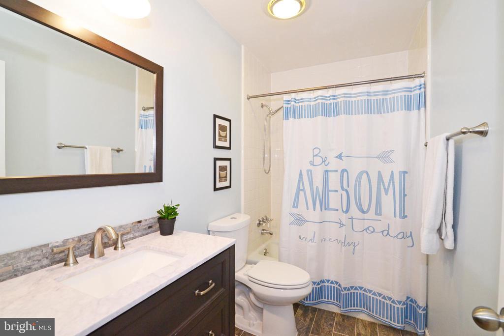 2nd bath for Bedrooms  2&3 - 234 PINE CREST LN, BLUEMONT