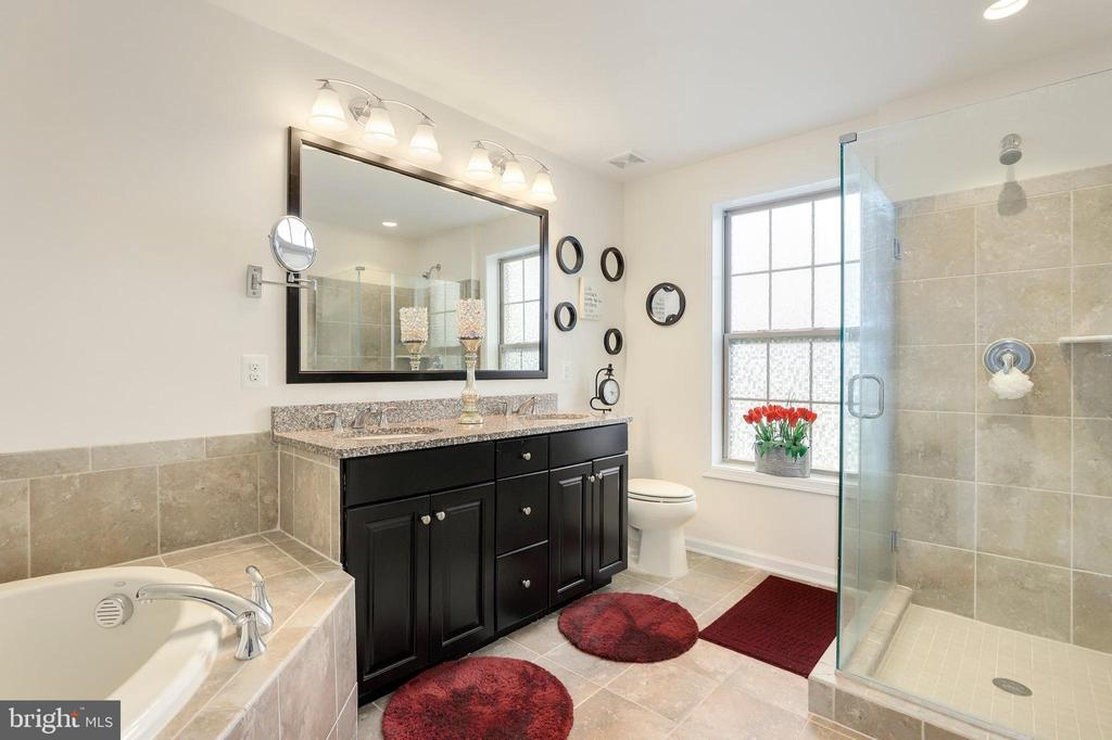 - 43108 INDIA WHARF SQ, ASHBURN
