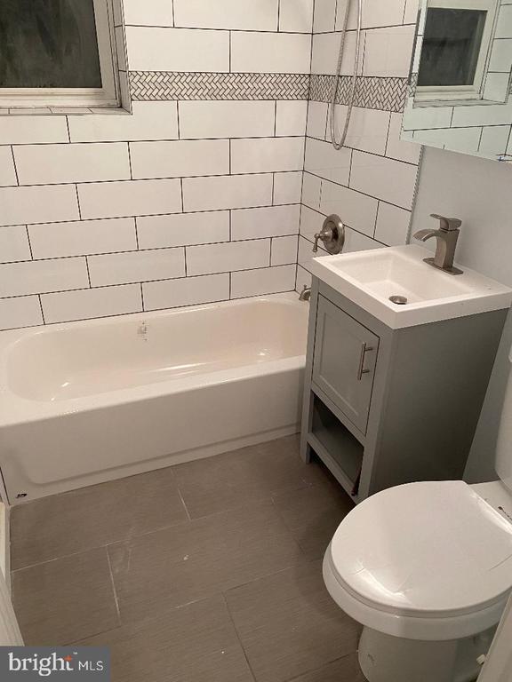 Bathroom - 4800 C ST SE #104, WASHINGTON