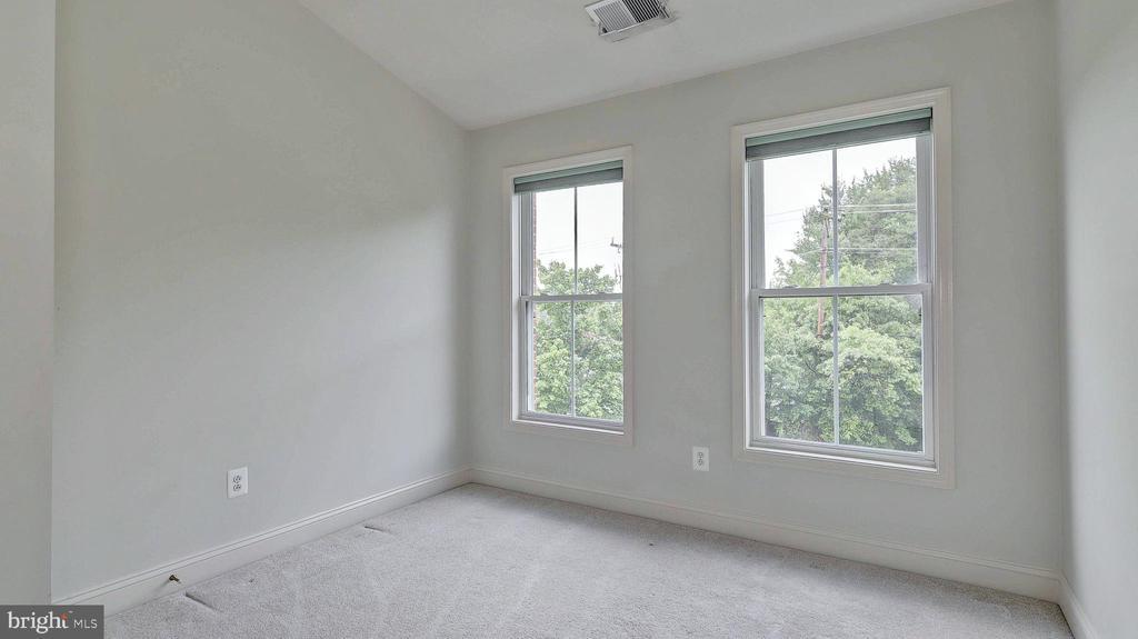Bedroom 2 - 726 VAN BUREN ST, HERNDON