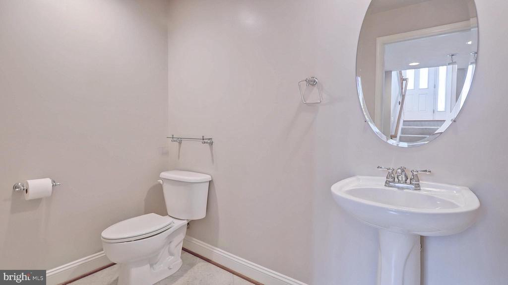 Half Bath Lower Level - 726 VAN BUREN ST, HERNDON