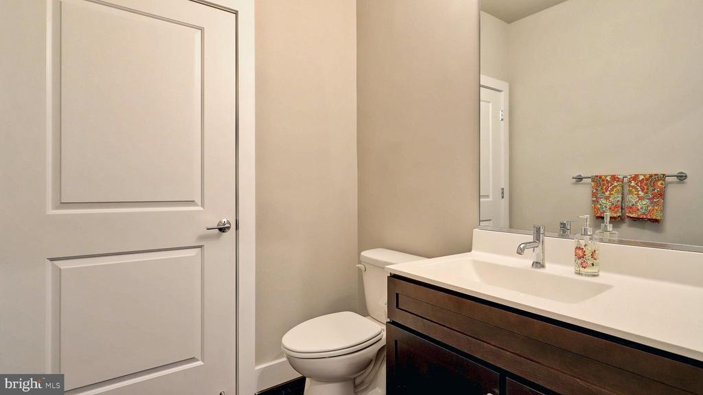 Full Bathroom - 7843 OLIVET CT, ALEXANDRIA