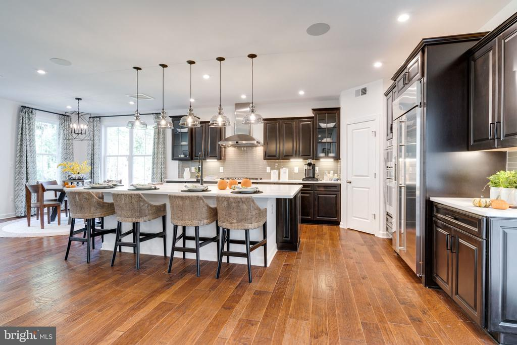 Grand Morning Room Kitchen - 104 PENDER CT, FREDERICKSBURG