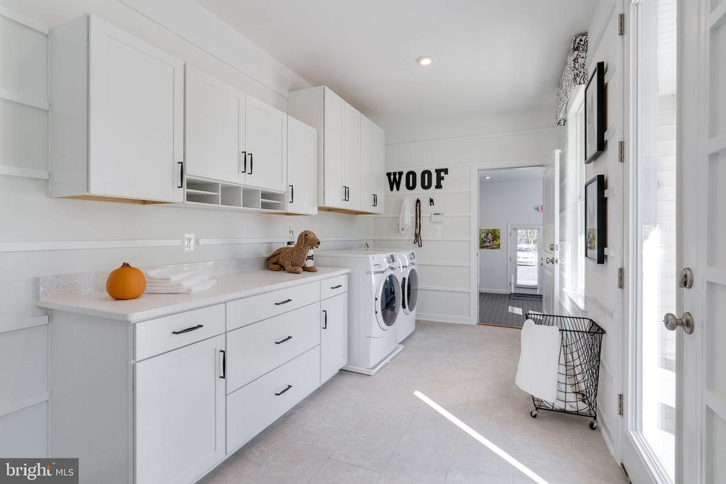 Mud/Laundry Room - 104 PENDER CT, FREDERICKSBURG