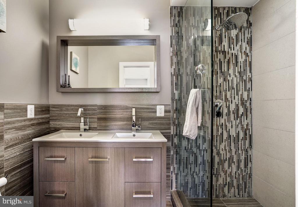 Bathroom - 747 MORTON ST NW #2, WASHINGTON
