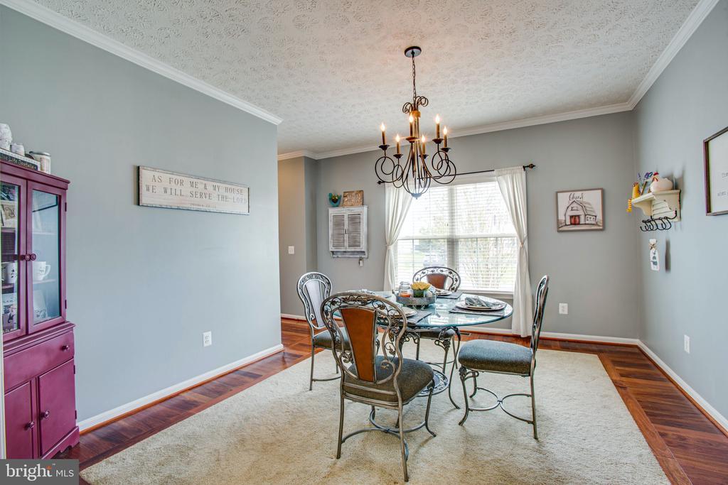 Elegant Dining Room or Formal Living Room - 35335 RIVER BEND DR, LOCUST GROVE