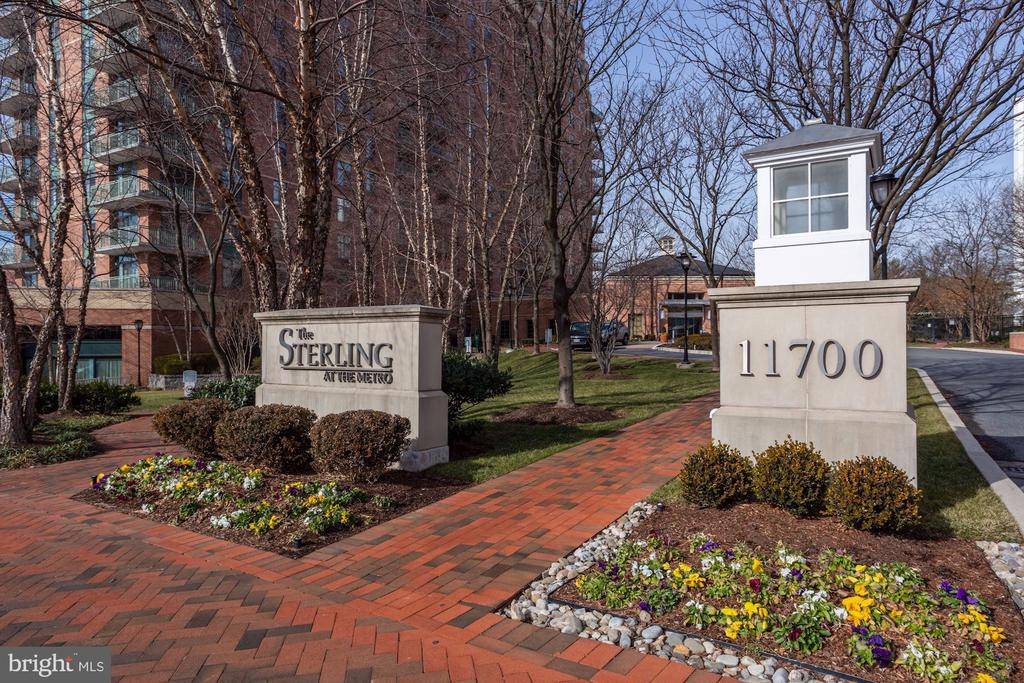 The Sterling - 11700 OLD GEORGETOWN RD #1113, NORTH BETHESDA