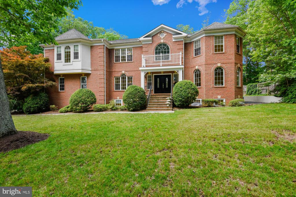 - 3510 GEORGES LN, FALLS CHURCH
