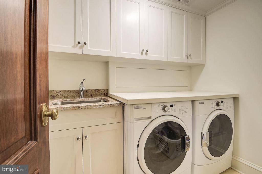 Laundry - 1601 35TH ST NW, WASHINGTON