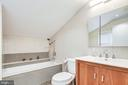 Custom tiled full bath - 322 MT VERNON PL, ROCKVILLE
