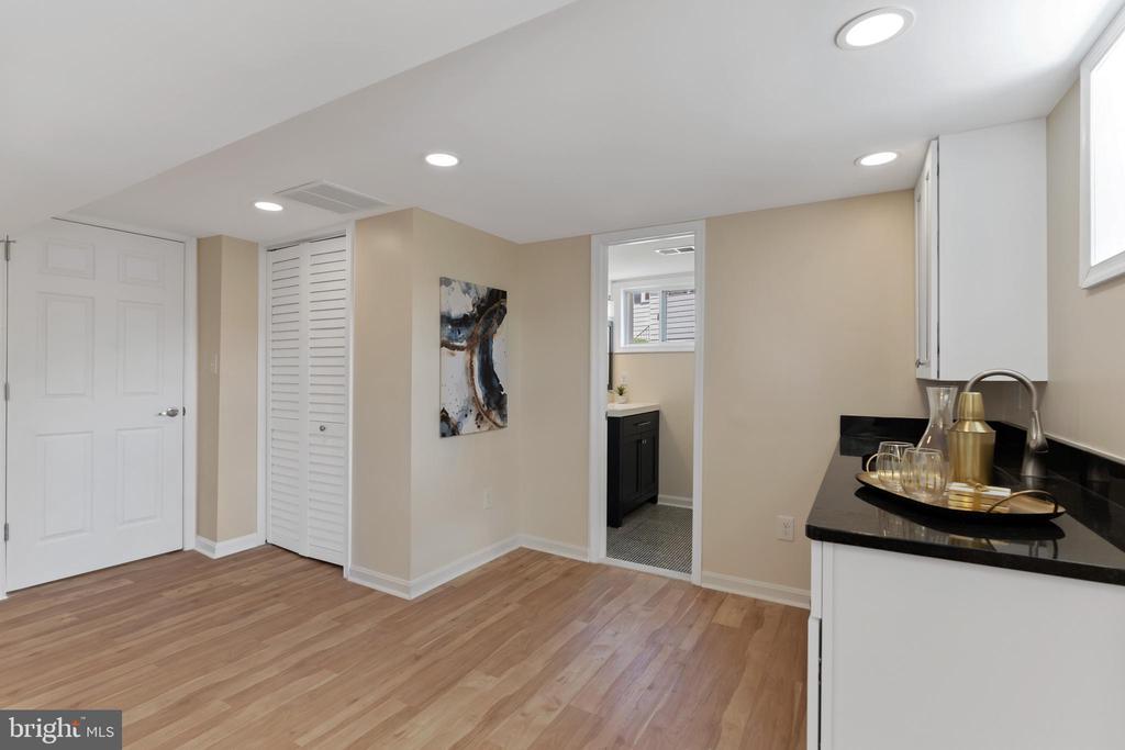 Family Room 4 - 2705 HAMLIN ST NE, WASHINGTON