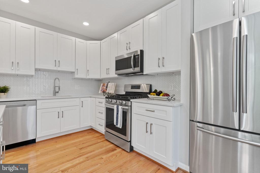 Kitchen 1 - 2705 HAMLIN ST NE, WASHINGTON