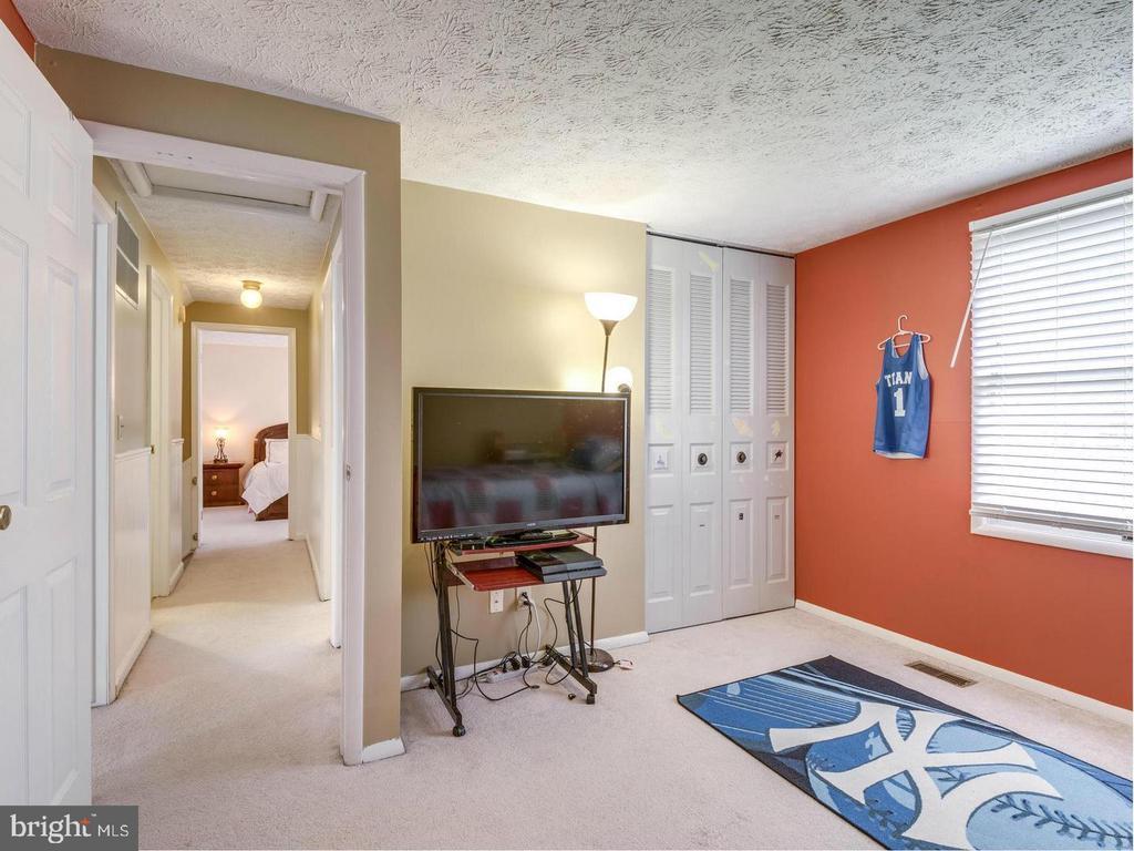 Bedroom 1 - 201 LESLIE CT, STERLING