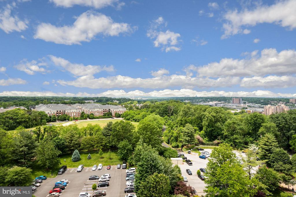 Spectacular view to the west - 5902 MOUNT EAGLE DRIVE #1505, ALEXANDRIA