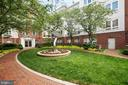 COURTYARD - 801 S GREENBRIER ST #221, ARLINGTON
