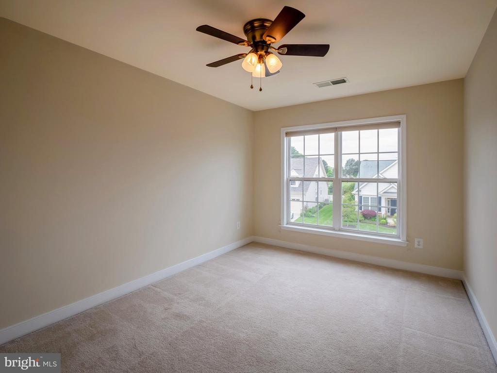 Spacious Secondary Bedrooms! - 13191 TRIPLE CROWN LOOP, GAINESVILLE