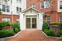 FRONT ENTRANCE, CONCEIRGE - 801 S GREENBRIER ST #221, ARLINGTON