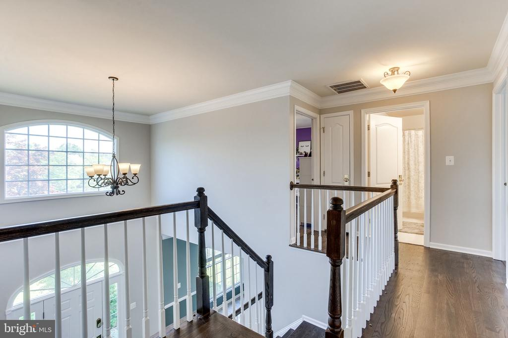 Open and airy - 22766 OATLANDS GROVE PL, ASHBURN