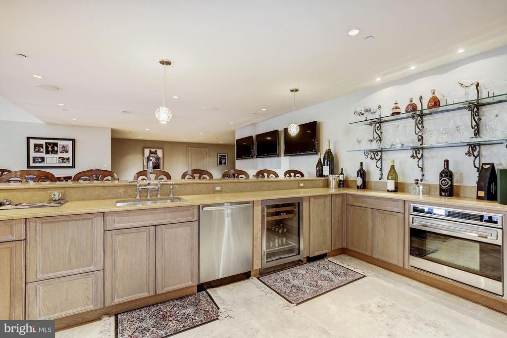 Lower Level Kitchen / Sports Bar - 9811 AVENEL FARM DR, POTOMAC