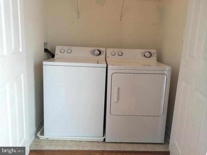 Washer & Dryer - 25175 FEMOYER TER, CHANTILLY