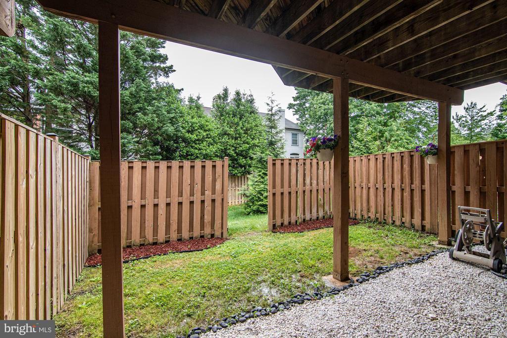 Fenced Backyard - 7513 COLLINS MEADE WAY, ALEXANDRIA