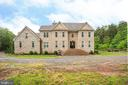 Exquisite Estate Colonial! - 2227 COUNTRY RD, BEAVERDAM