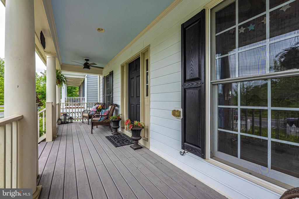 - 3844 CARRIAGE HILL DR, FREDERICK