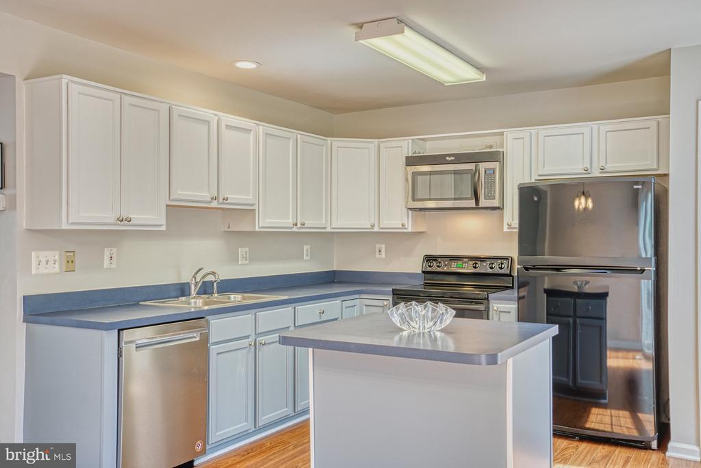 Kitchen - 17367 AVION SQ, ROUND HILL