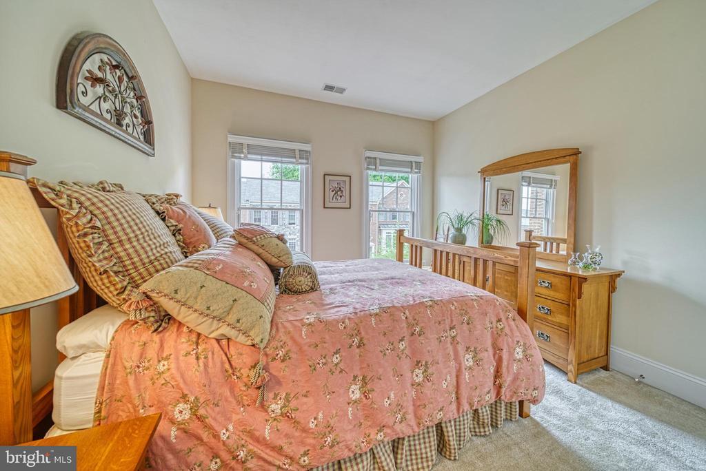 Lots of Light in this classic bedroom - 6745 DARRELLS GRANT PL, FALLS CHURCH